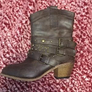 Charlottes Russe Boots